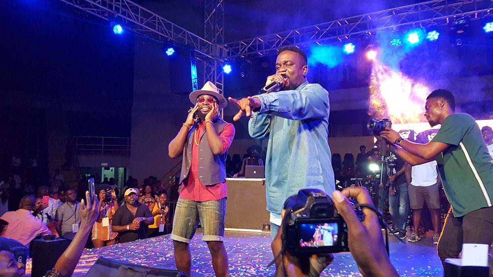 M.anifest and Sarkodie ended their long time beef with a performance at Manifestivities 2019